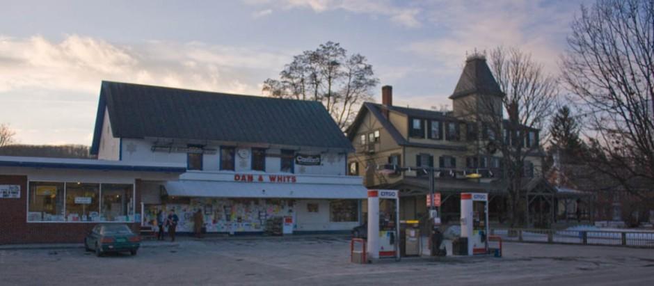 Norwich-Vermont-General_Store-Inn-940x411